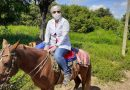 #PARAÍBA | Enfermeira usa cavalo para atravessar rio e vacinar três idosos contra gripe, no Sertão da PB