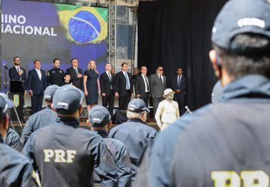 Bolsonaro participa da formatura de policiais rodoviários federais