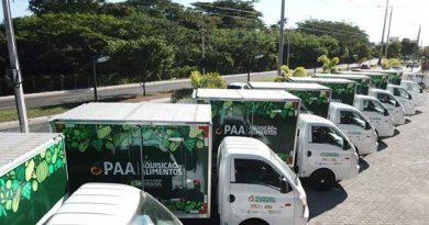 Governo entrega 31 veículos a municípios piauienses